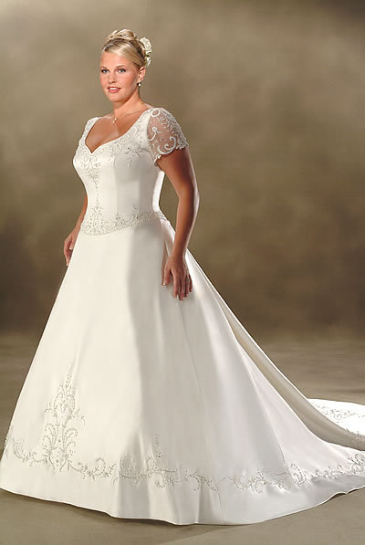 Plus size wedding dresses everythingbridalandevents for Plus size after wedding dress